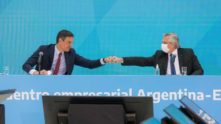 Alberto Fernández y Pedro Sánchez encabezaron una reunión de trabajo con empresarios argentinos y españoles