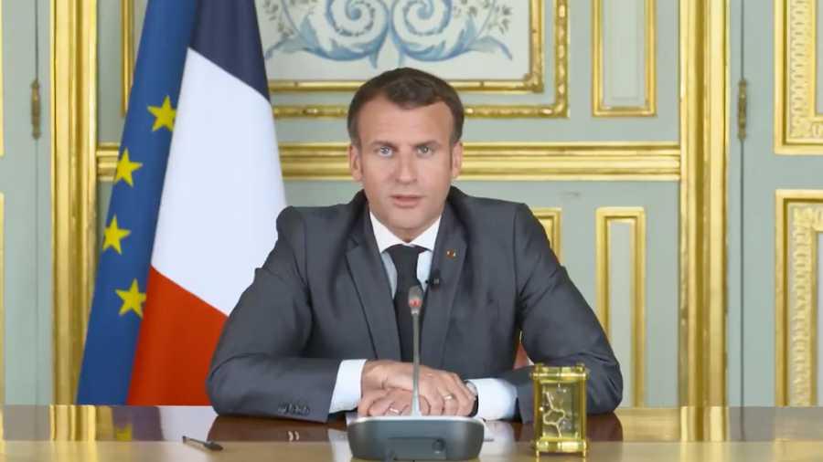 Macron avisa a Johnson que el Brexit no es renegociable