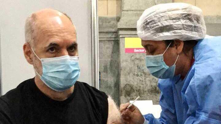 Rodriguez Larreta se vacunó en la Usina del Arte