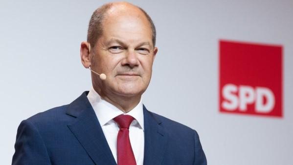 Scholz al frente en las encuestas en Alemania