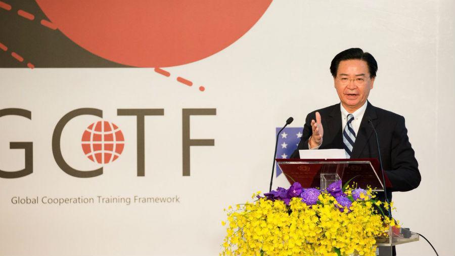 """Joseph Wu: """"Debemos prepararnos para un conflicto militar con China"""""""
