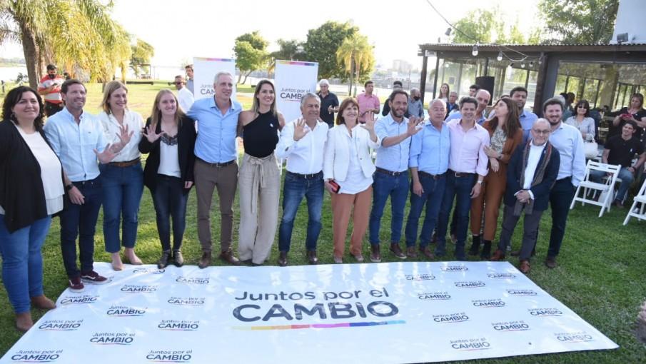 """Cornejo y Bullrich lanzaron la campaña """"Cinco Senadores"""" en Santa Fe"""
